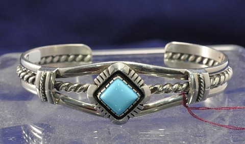 Contemporary Navajo Indian Bracelet Traditional One Turquoise Setting Square Cut