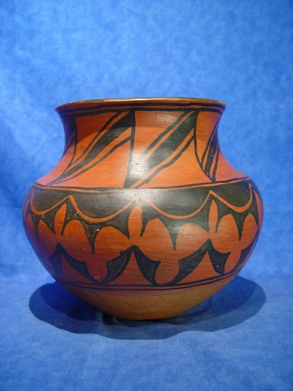 03 - Pueblo Pottery, San Ildefonso Pottery Olla / Jar; Black on Red Attrib. to earliest recognized Southwest Potter Marianita Roybal (1843-~1910) 1890-1910