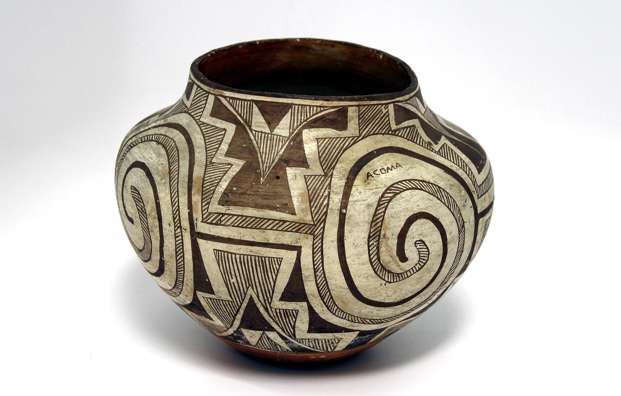 November 23, 2018 - New Acquisitions o Antique Pottery | Len