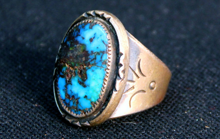 07 - Jewelry-Old, Navajo High Grade Bisbee Turquoise Ring Size 8 1/2 1970
